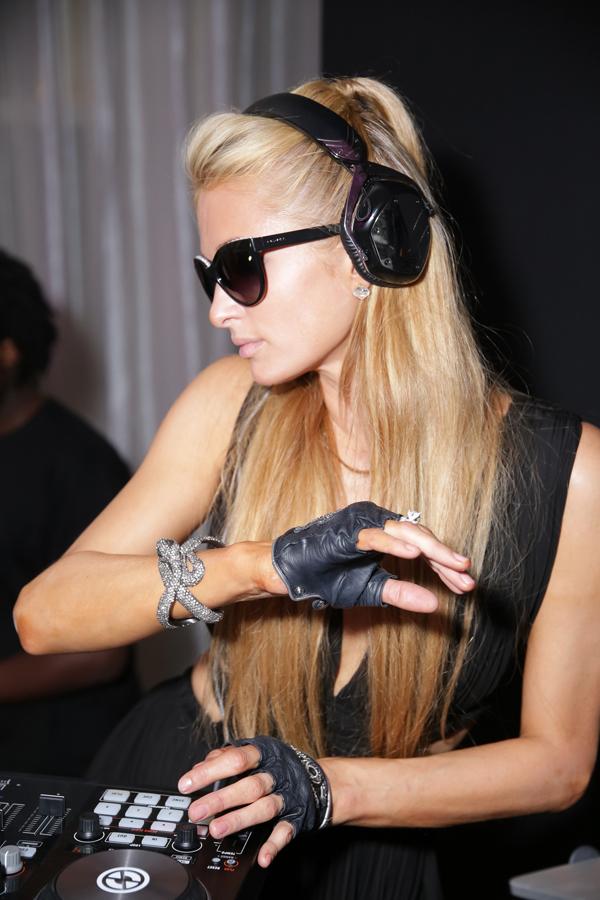 http://idmmag.com/wp-content/uploads/2014/10/Paris-Hilton-DJ.jpg