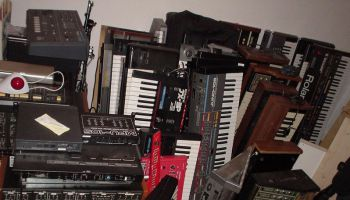 Roland gear on EBay – 90 boxes full