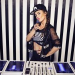 Watch this Juicy M – 4 iPads Mix