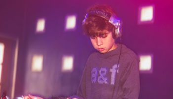 12 year old techno DJ from Milan lays it down on CDJs
