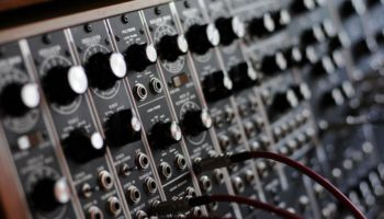 Gearogs is an online audio hardware market launched by Discogs