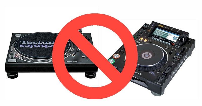 underground club liquid sky berlin bans cdjs turntables. Black Bedroom Furniture Sets. Home Design Ideas